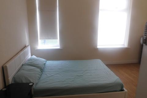 4 bedroom house share to rent - Fitzwarren, M6