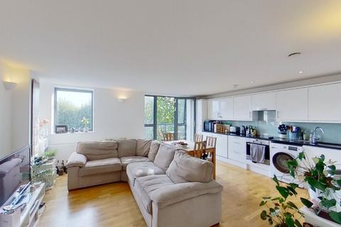 3 bedroom apartment to rent - Queensbridge Road, Haggerston, London, E8