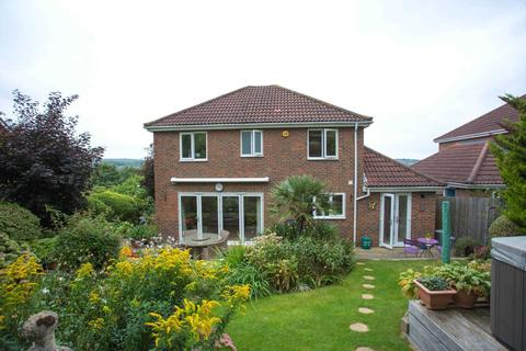 4 bedroom detached house to rent - Fay Close, Rochester