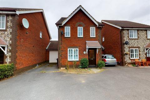 3 bedroom detached house for sale - Roman Way, Kingsnorth, Ashford, Kent, TN23