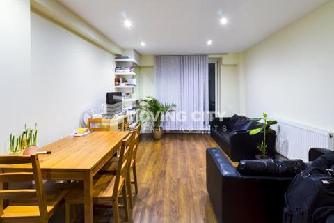 2 bedroom flat to rent - Umberston Street, Aldgate East, London E1