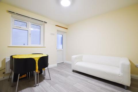 1 bedroom flat to rent - Kingsland Road, London