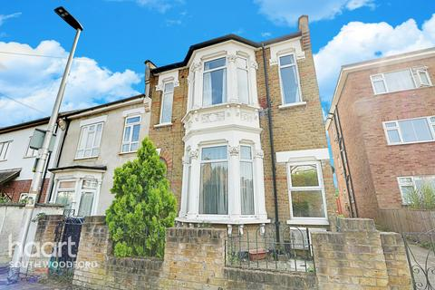 4 bedroom end of terrace house for sale - Gordon Road, South Woodford, London, E18