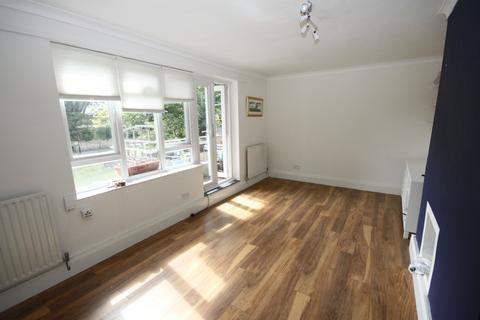 2 bedroom flat to rent - Prenderg, Blackheath, London SE3