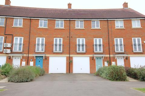 4 bedroom terraced house for sale - Noble Crescent, Aylesbury HP18