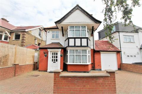 3 bedroom detached house for sale - Sedgecombe Avenue, Kenton, HA3 0HW