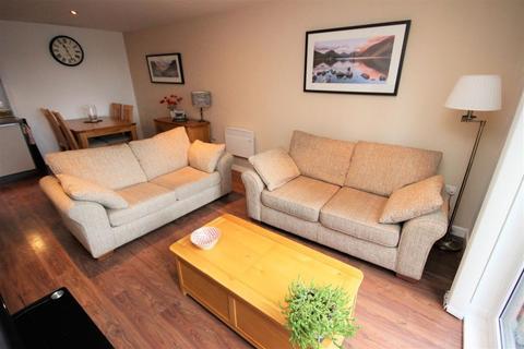 3 bedroom maisonette to rent - Swift House, Sandbrook Road, London, N16