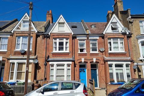 6 bedroom terraced house for sale - Glengarry Road,  London, SE22