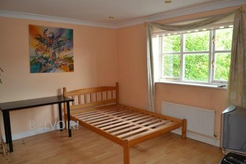 1 bedroom in a house share to rent - Colgate Place, Enfield Island Village EN3