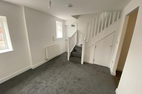 2 bedroom flat to rent - Bolckow Street, Eston, Middlesbrough, North Yorkshire, TS6