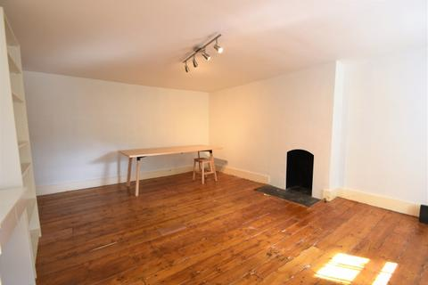 3 bedroom flat to rent - Victoria Way London SE7