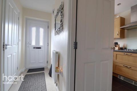 3 bedroom townhouse for sale - Knappers Way, Norwich
