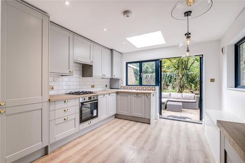 2 bedroom flat for sale - Castelnau, London