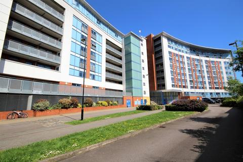 2 bedroom apartment to rent - Bray Court, Meath Crescent, Bethnal Green, E2