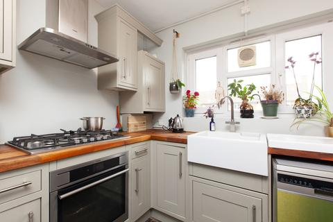 1 bedroom apartment to rent - Brodia Road, London