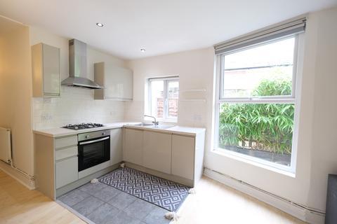 2 bedroom ground floor flat to rent - Whittington Road, London N22