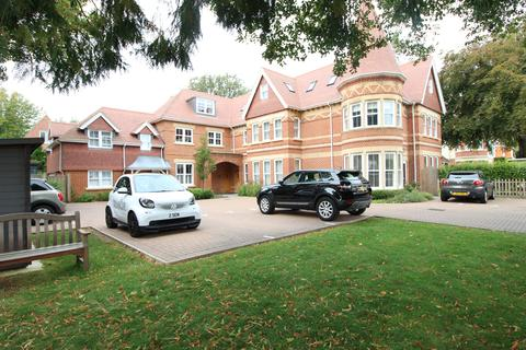 2 bedroom flat to rent - Pinewood Road , Branksome Park, Poole