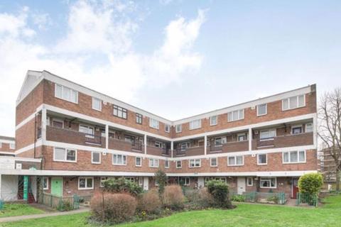 3 bedroom property for sale - Ashbourne Court, 137 Daubeney Road, London