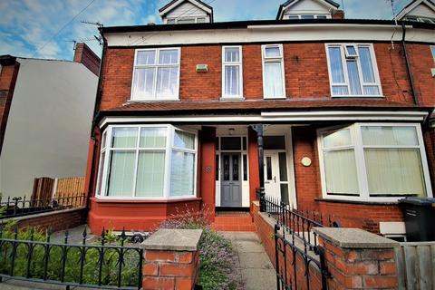 4 bedroom house share to rent - Denstone road, Salford M6 7FG