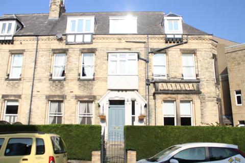 2 bedroom flat to rent - East Park Road, Harrogate