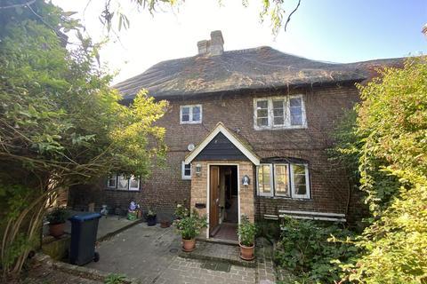 3 bedroom semi-detached house for sale - Minnis Road, Birchington