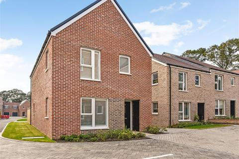 3 bedroom detached house for sale - Anna Sewell Way, Chichester