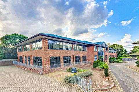 Studio to rent - Bellmont Lodge, Welwyn Garden City