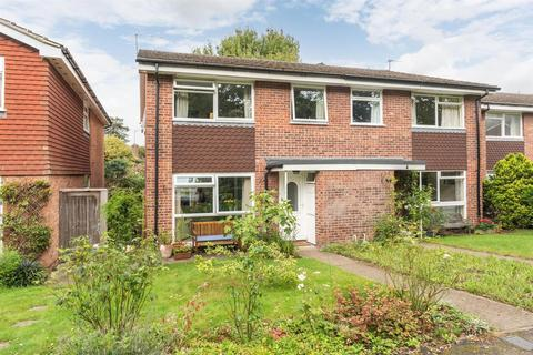 4 bedroom semi-detached house for sale - Frith Knowle, Hersham, Walton-On-Thames