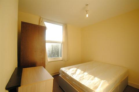 2 bedroom flat to rent - Willingdon Road, Wood Green, London