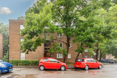 2 bedroom flat for sale - Garrick Close, Ealing, London