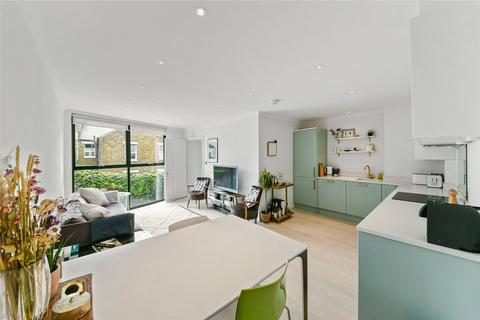 2 bedroom mews for sale - Brickfield Close, Brenthouse Road, London, E9