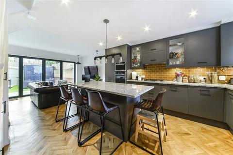 5 bedroom end of terrace house for sale - Jackson Close, Speldhurst Road, London, E9