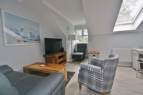 2 bedroom apartment to rent - REGENT COURT, NORN HILL