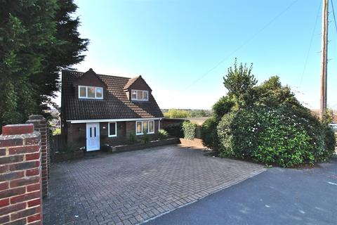 5 bedroom detached house for sale - Wards Hill Road, Minster On Sea, Sheerness