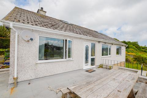 3 bedroom detached house for sale - Tyddyn To, Porthaethwy, LL59