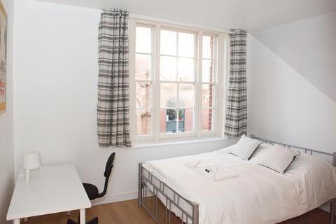 4 bedroom house to rent - Settles Street, Whitechapel, E1