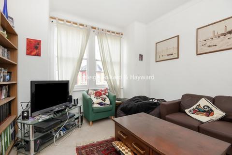 3 bedroom flat to rent - Himley Road Tooting SW17