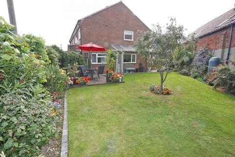 3 bedroom house for sale - New Road, Acle, Norwich, NR13