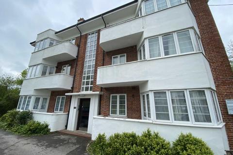 3 bedroom flat to rent - Deacons Hill Road, Elstree