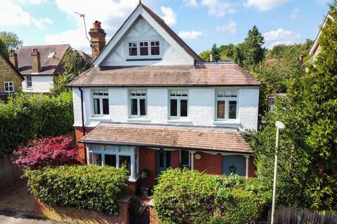 4 bedroom detached house for sale - Hillbrow Road, Esher, Surrey, KT10