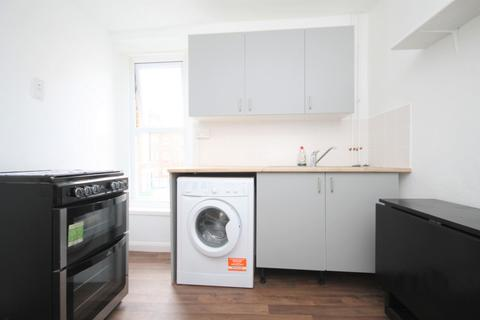 2 bedroom flat to rent - Kentish Town Road, Camden Town, NW1