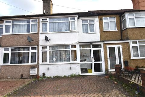 3 bedroom terraced house for sale - Grosvenor Crescent,  Hillingdon, London UB10