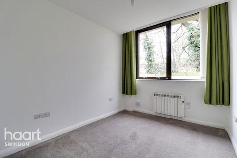 2 bedroom apartment for sale - Bentham Close, Swindon