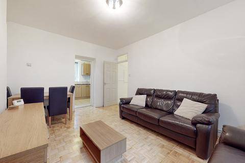 2 bedroom flat to rent - Balmoral House, Portland Rise, London, N4
