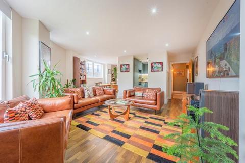 2 bedroom flat for sale - 4 Lime House Court, 3 Wharf Lane, London, E14 7HW