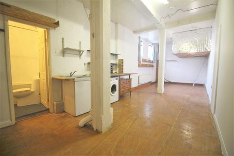 Studio to rent - Rendlesham Road E5