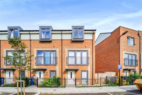 3 bedroom semi-detached house for sale - Lockwood Road, Southall, UB2