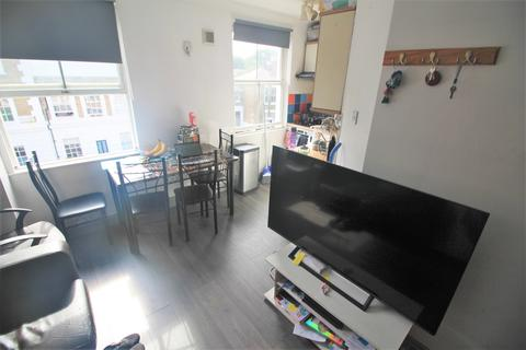 2 bedroom flat to rent - Richmond Road E8