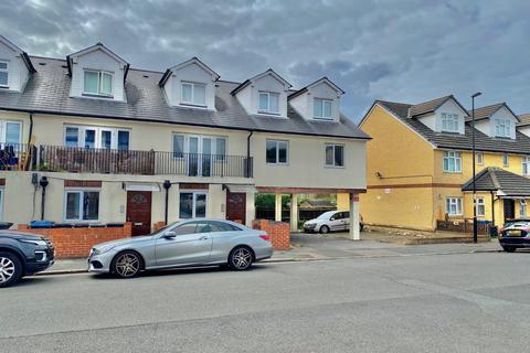3 bedroom flat to rent - Norbury Road CR7