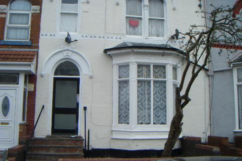 Studio to rent - Flat 1 Gladstone Road, Sparkbrook